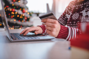 holiday spending strategies, holiday shopping